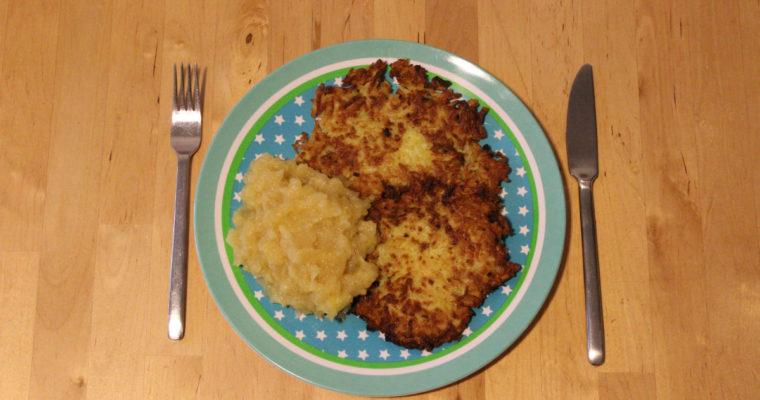 Klassiker: Kartoffelpuffer mit Apfelmus
