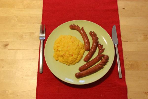 Kartoffelstampf mit Würstchen 06